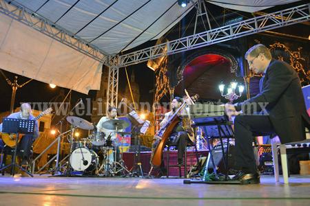 Cuarteto de jazz en la plaza Sahuayo