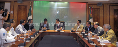 Alcaldes de Michoacán acuden con Silvano para solicitar apoyo a sus proyectos