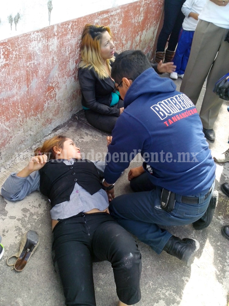 Camión urbano arrolla a hermanas en El Carmen