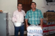 Toño Salas entregó material deportivo a comunidades