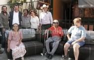 Entregó la diputada Kena un sofá a la Casa hogar La Rosa Guadalupana