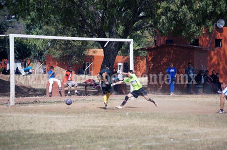 Deportivo Prado y Rentamaq empataron en un duro partido de Copa