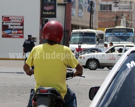 Oootra campaña para generar conciencia en motociclistas