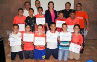 Alcaldesa entregó reconocimientos a Futbolistas Infantiles-Juveniles