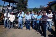 Toño Salas y César Palafox realizaron recorrido de obras en Atapan
