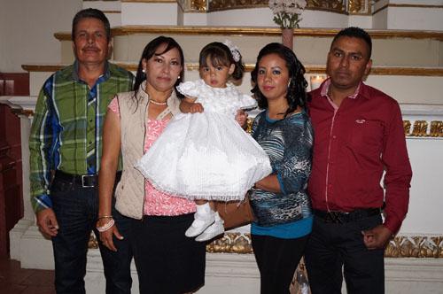 Melanie recibe el bautizo