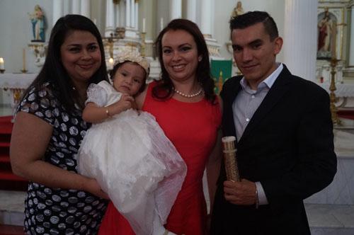 Elisa recibe el bautizo