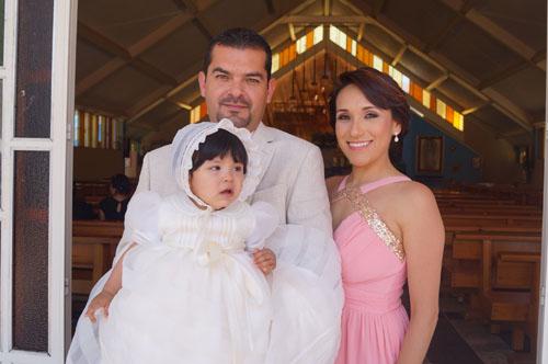 María Fernanda recibe el bautizo