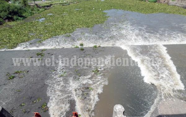 Liberan agua del Barraje de Ibarra