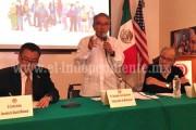 · Gobernador de Michoacán presenta el proyecto de la Casa del Adolescente en Chicago