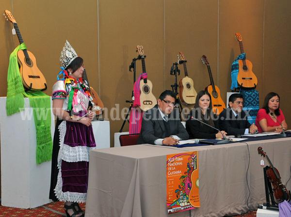 Anuncian la Feria Nacional de la guitarra de Paracho 2015