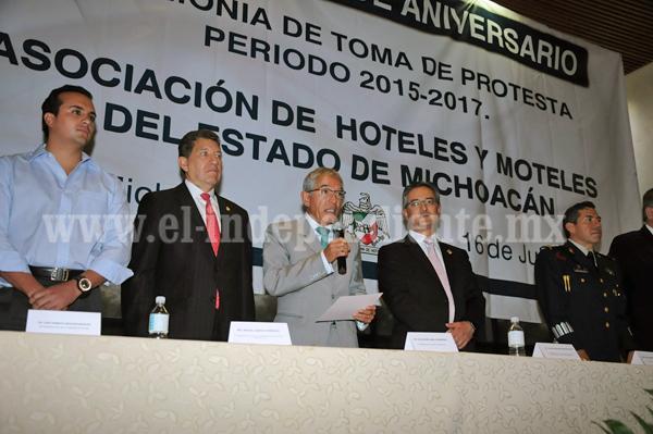 Llama Salvador Jara a Michoacanos a contribuir en mejorar la percepción del estado