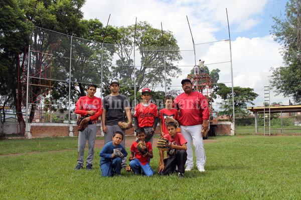 La Escuela Municipal de Beisbol convoca a los pequeños a integrarse a sus filas