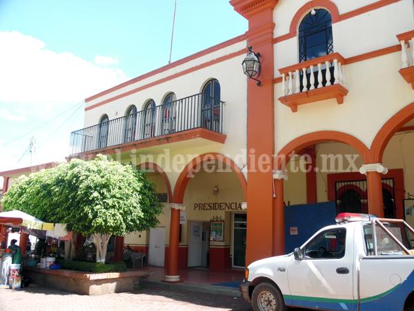 Nuevo embargo a bienes de municipales de Marcos Castellanos