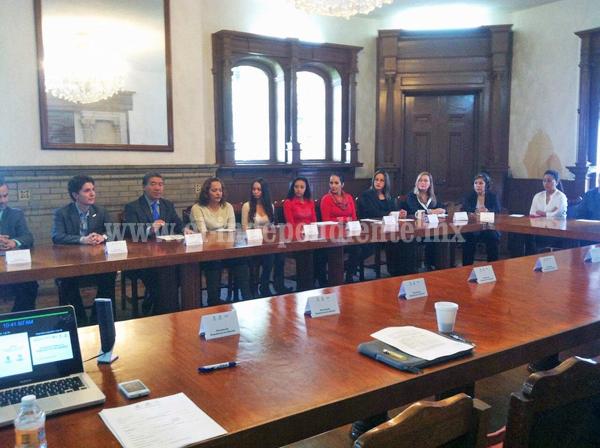 Perspectiva de género, un compromiso permanente de gobierno del estado: Esparza Cortina