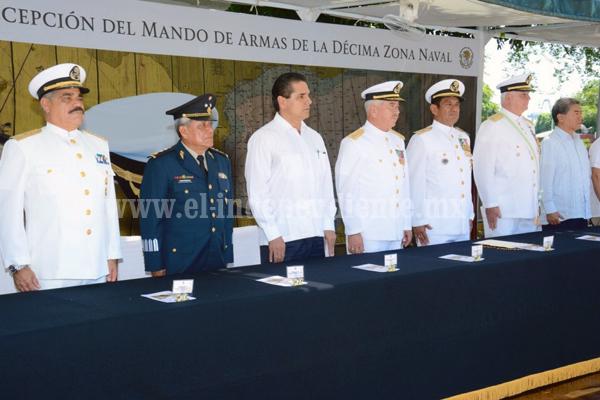 Silvano Aureoles, invitado especial al cambio de mando de la Décima Zona Naval
