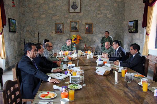 Revisa Silvano Aureoles situación de seguridad en Michoacán