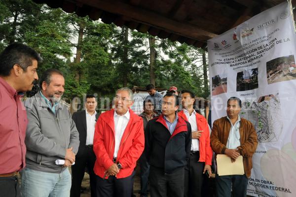 Fortalecen infraestructura turística en Santuario de la Mariposa Monarca El Rosario