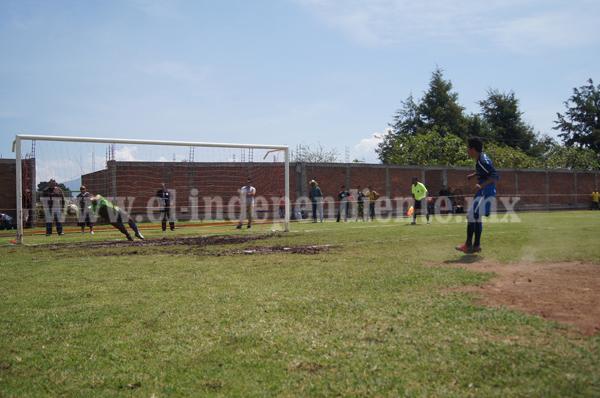 Hueso derrotó en penales a Jardines de Catedral y avanzó a la final.