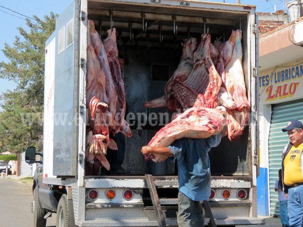 Carencia de refrigerador limita la comercialización de carne en Jacona