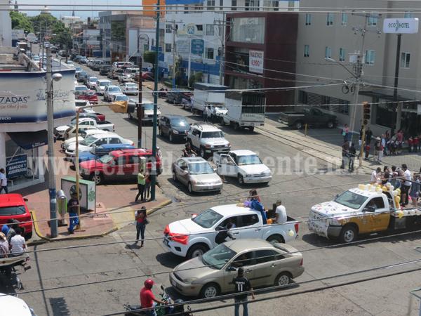 Urgen medidas integrales que desahoguen el tráfico del centro