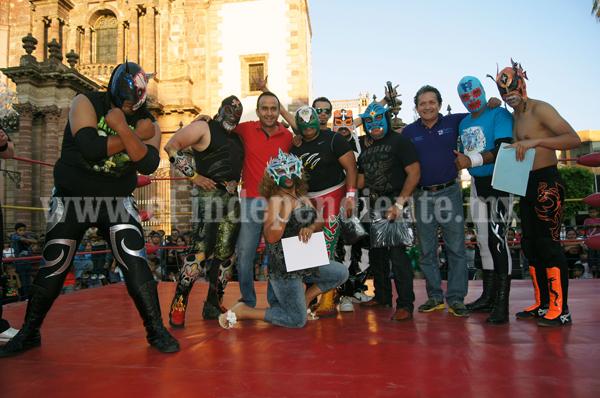 Con exitosa función de lucha libre culminó actividad deportiva municipal