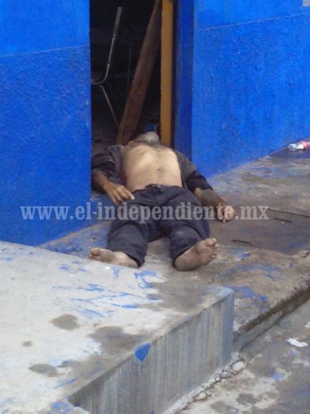 Encuentran muerto a sahuayense en la entrada de su casa