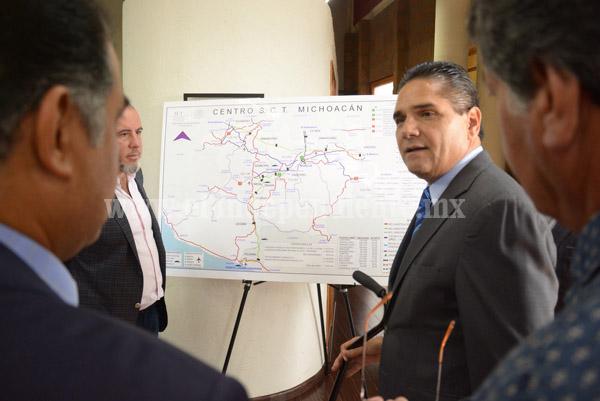 Productivo encuentro de trabajo entre Silvano Aureoles y funcionarios federales en la SCT