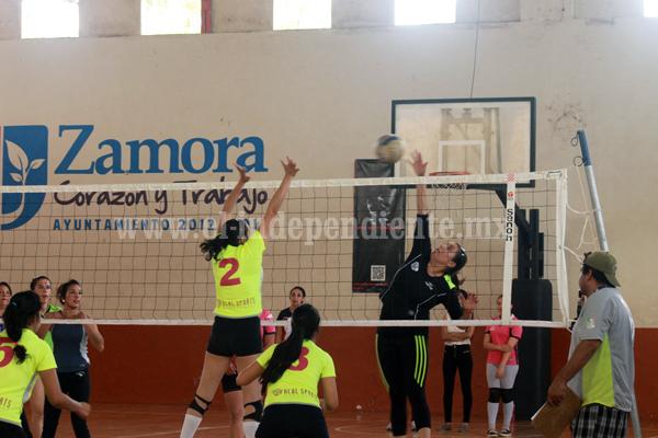 Los Reyes arrebataron a Zamora el cuadrangular regional de Voleibol