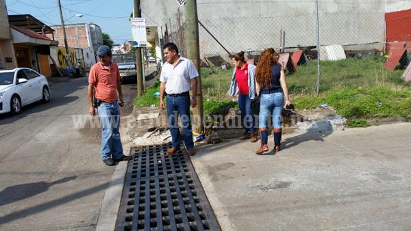 Continúan obras en Los Reyes