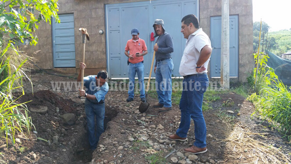 Amplían red de agua potable en Los Reyes