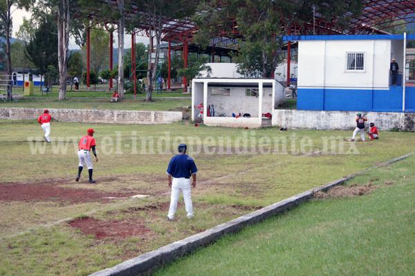 Rojos de Jacona y Torpedos de Zamora vencieron a Campesinos de Ario