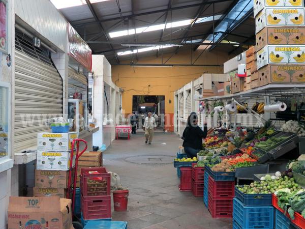 Caen al 50 por ciento ventas en Mercados Municipales