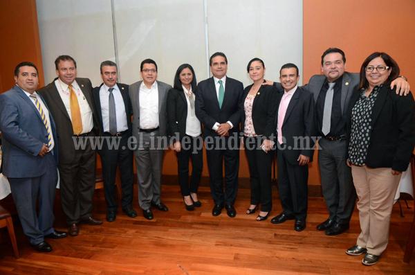 Se reúnen diputados federales con el gobernador electo de Michoacán
