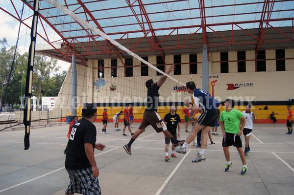 Jaza y Piojos dominantes en la Liga Zamorana de Voleibol