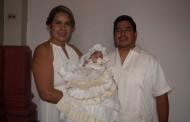 Vanesa recibe el primer sacramento