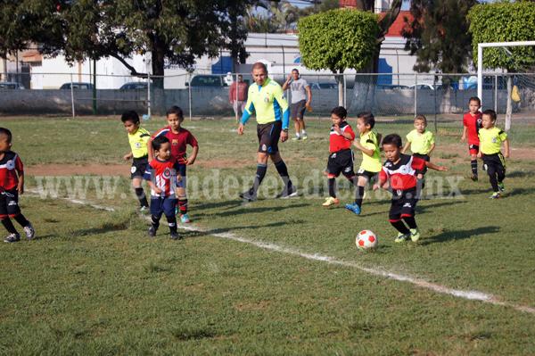 """Se suspendieron actividades deportivas en la ciudad por huracán """"Patricia""""."""