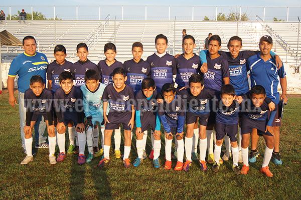 Halcones debutó con goleada frente al Deportivo El Carmen