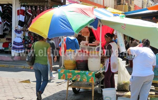 Ayuntamiento niega otorgar licencias a vendedores ambulantes