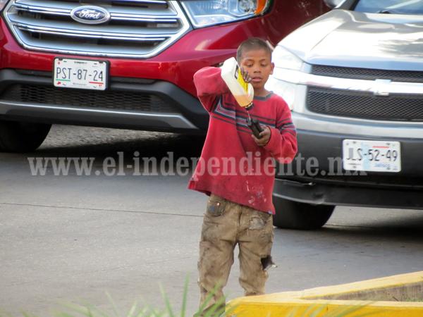 Padres de familia son responsables de cultivar trabajo infantil en calles y cruceros