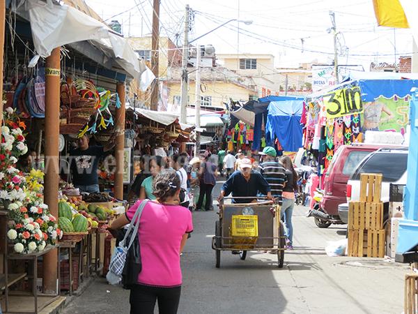 Piden locatarios reordenamiento en el Mercado Hidalgo