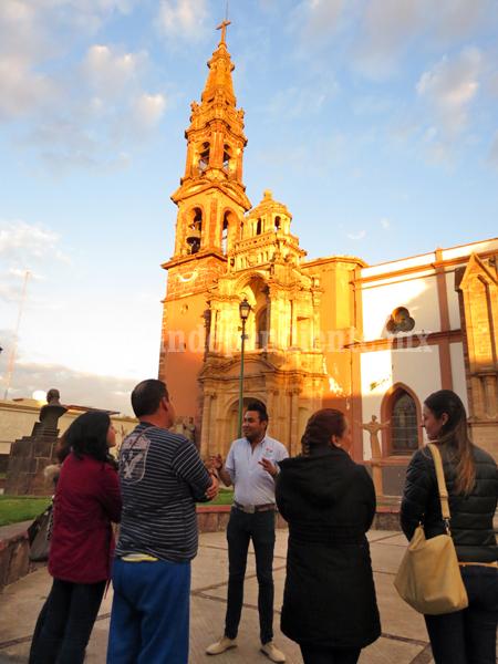 Con guías de turismo buscarán difundir atractivos de la ciudad