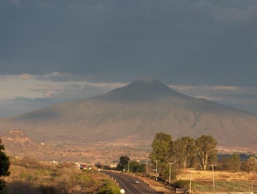Buscan poner candado a crecimiento urbano en Cerro de la Beata