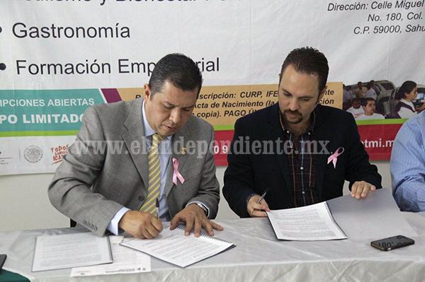 ICATMI SAHUAYO FIRMA CONVENIOS CON EL AYUNTAMIENTO E INSTITUCIONES