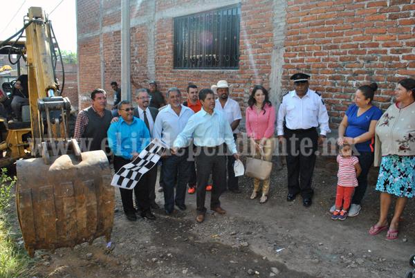 Continúan los arranques de obras de pavimentación en Jacona