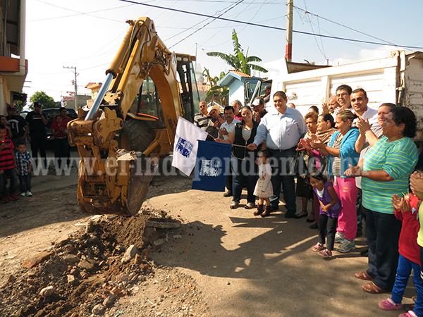 Destinan más de 2 mdp para pavimentación de calle Rafael Galván en colonia Loma Linda