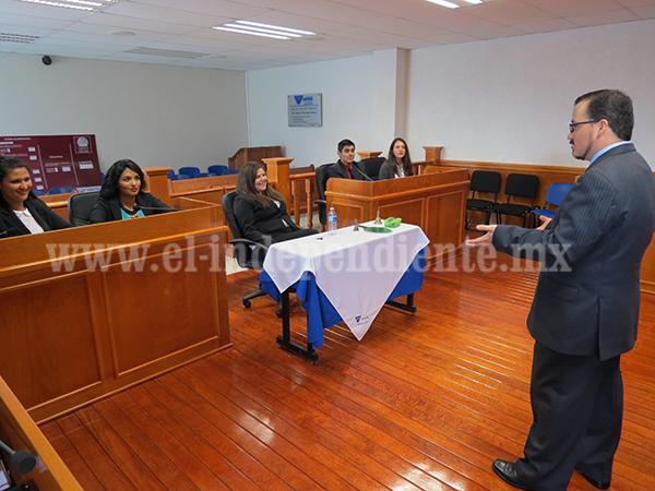 UNIVER prepara a estudiantes para torneo internacional de debates