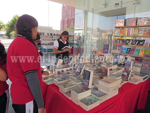 Hoy se cumplen 36 años de celebrar en México el día Nacional del libro