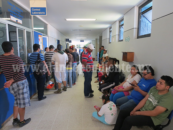 Trabajadores del hospital regional consideran estar sometidos a presiones laborales
