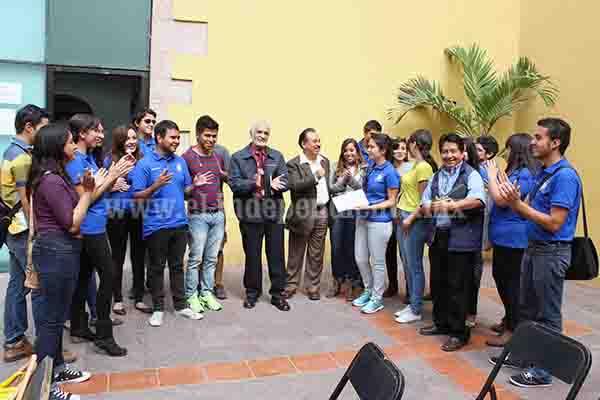 """Dr. Lugo entregó reconocimientos a participantes de la """"Calzada de los Muertos"""""""